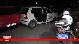 Antalya'da Kısıtlama Saatinde Polisi Peşine Taktı: 2 Araca Çarpıp Yakalandı