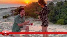Antalya'da Evlilik Teklifi Edeceği Esnada Olay Yerinden Geçen Tanıdıkları Tüm Planı Bozdu